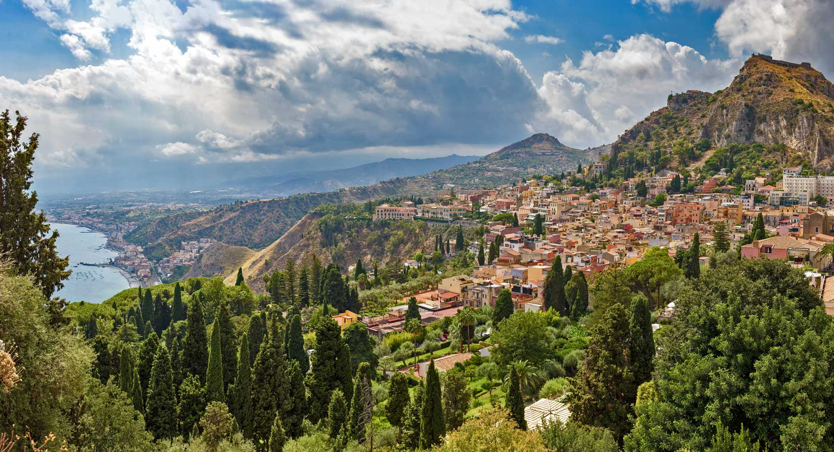 Classifica Ecolabel Prima in Classifica la Sicilia Veduta di Taormina